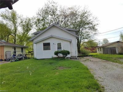 Ashtabula Single Family Home For Sale: 4817 Dunsmore Ave