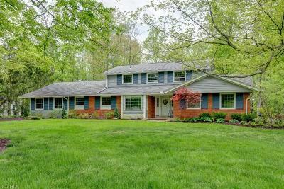 Solon Single Family Home For Sale: 32105 Burlwood Dr
