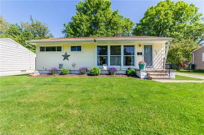 North Olmsted Single Family Home For Sale: 23376 Olmsted Dr
