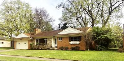 Rocky River Single Family Home For Sale: 18747 Rocky River Oval