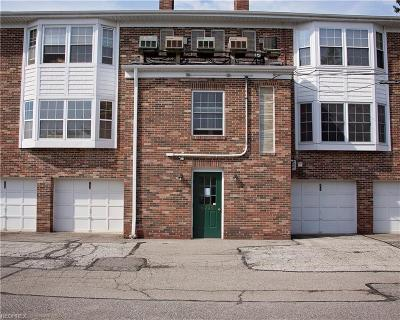 Brecksville Condo/Townhouse For Sale: 6995 Carriage Hill Dr #103