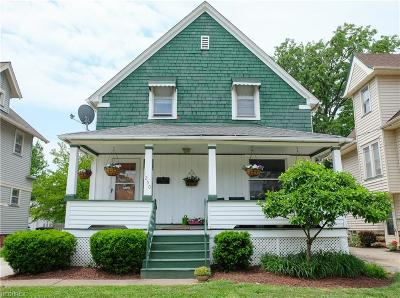 Lakewood Single Family Home For Sale: 1250 Saint Charles Ave