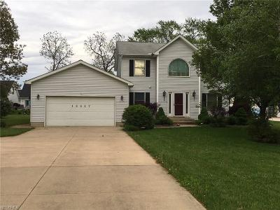 Strongsville Single Family Home For Sale: 14447 Ordner Dr