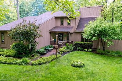 Geauga County Single Family Home For Sale: 18880 Rivers Edge Dr East