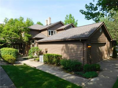 Beachwood Condo/Townhouse For Sale: 3 Sherwood Ct