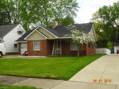 North Olmsted Single Family Home For Sale: 23133 Clifford Dr