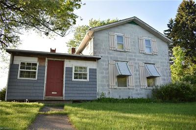 Conneaut Single Family Home For Sale: 2719 E Center Usr 20 Street