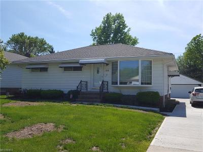 Wickliffe Single Family Home For Sale: 1858 Ridgeview Dr