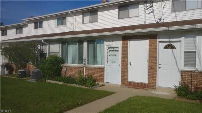 North Olmsted Condo/Townhouse For Sale: 25305 Country Club Blvd #11-6