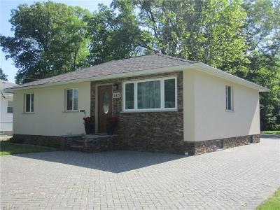 North Olmsted Single Family Home For Sale: 4415 Selhurst Rd