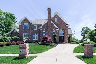 Strongsville Single Family Home For Sale: 18871 Saratoga Trl