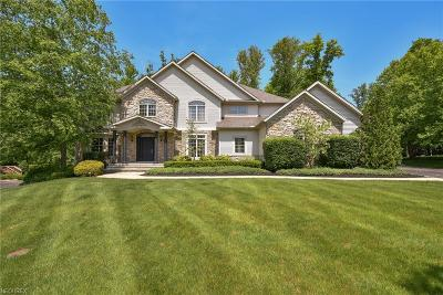 Chagrin Falls Single Family Home For Sale: 7590 Trails End