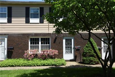 Mentor Condo/Townhouse For Sale: 8240 Deepwood Blvd #7-4
