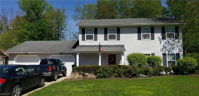 Lake County Multi Family Home For Sale: 6/7 Williamsburg Ct