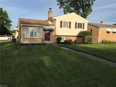 Brook Park Single Family Home For Sale: 6371 Elmdale Rd