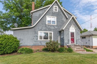 Wickliffe Single Family Home For Sale: 1714 Harding Dr