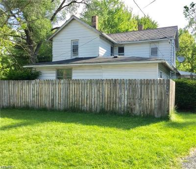 Warren Single Family Home For Sale: 2350 Mahoning Avenue