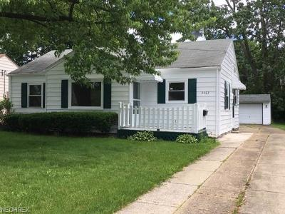 North Olmsted Single Family Home For Sale: 3363 West 231st St