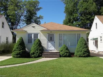 Parma Single Family Home For Sale: 2622 Ingleside Dr