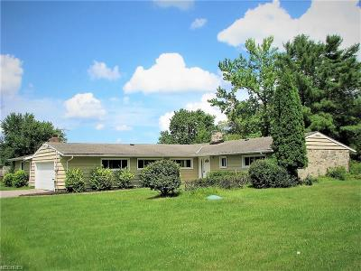 Pepper Pike Single Family Home For Sale: 31149 Pinetree Rd