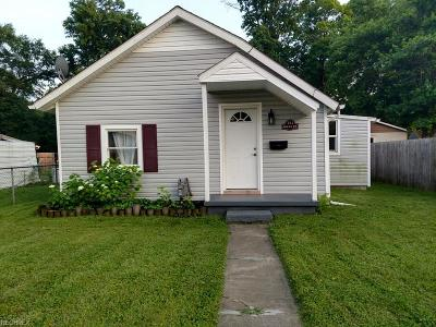 Licking County Single Family Home For Sale: 141 Riley St