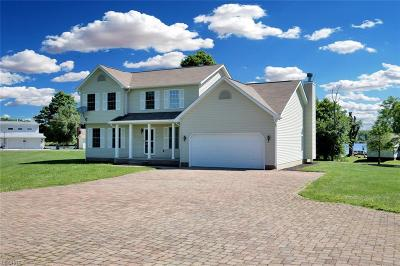 Single Family Home For Sale: 27112 Lakeside Dr