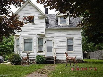 Ashtabula County Multi Family Home For Sale: 6617 Jefferson Rd