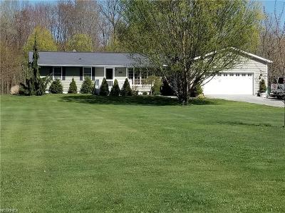 Ashtabula County Single Family Home For Sale: 2356 Sexton Rd