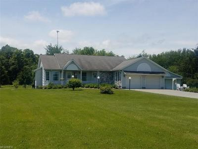 Ashtabula County Single Family Home For Sale: 952 State Route 307 East