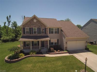 North Royalton Single Family Home For Sale: 10237 Yorkshire Way