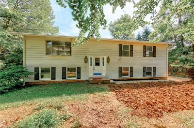 Novelty Single Family Home For Sale: 14143 Sperry Rd
