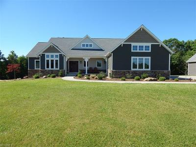 Valley City Single Family Home For Sale: 5762 Sleepy Hollow Rd