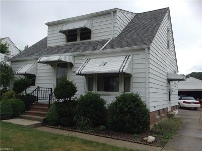 Wickliffe Single Family Home For Sale: 2323 Larchmont
