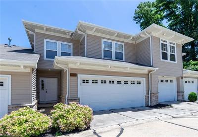 Seven Hills Condo/Townhouse For Sale: 5845 Stonegate Cir