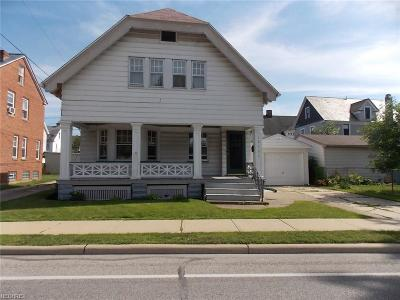 Lakewood Single Family Home For Sale: 13121 Franklin Blvd