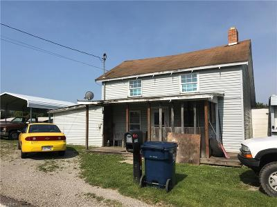 McConnelsville Single Family Home For Sale: 7664 North State Route 78 Northeast