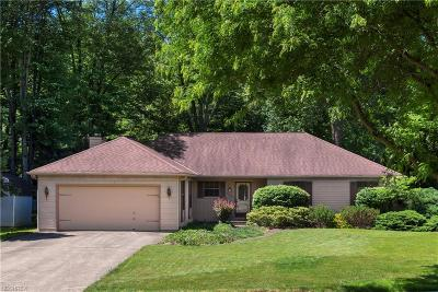 North Olmsted Single Family Home For Sale: 5940 Wild Oak Dr