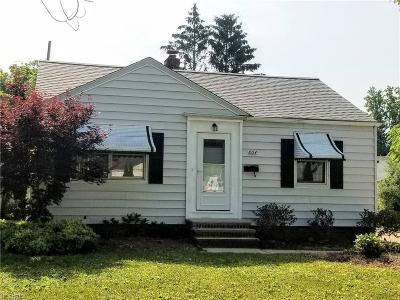 Euclid Single Family Home For Sale: 804 East 258th St