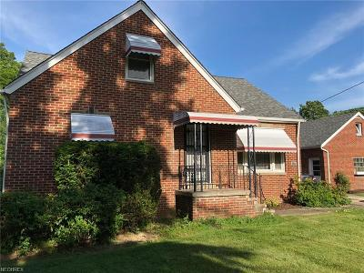 Richmond Heights Single Family Home For Sale: 425 Dumbarton Blvd