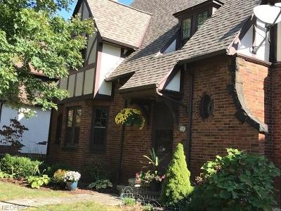 Shaker Heights Single Family Home For Sale: 3325 Norwood Rd