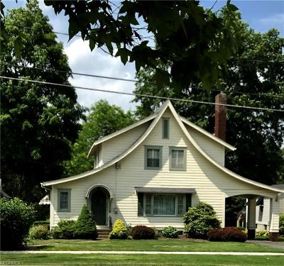 Canfield Single Family Home For Sale: 224 East Main St