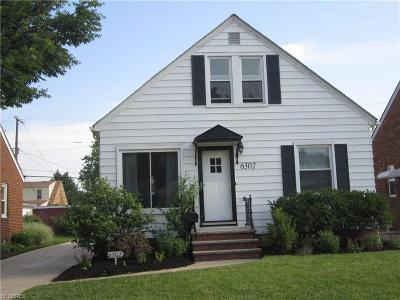 Parma Single Family Home For Sale: 6302 Hampstead Ave