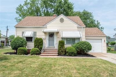 Parma Single Family Home For Sale: 10814 Windham Rd