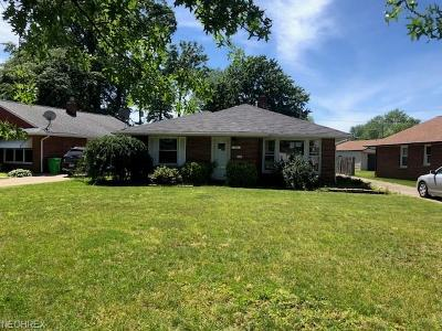 Willowick Single Family Home For Sale: 762 Bayridge Blvd