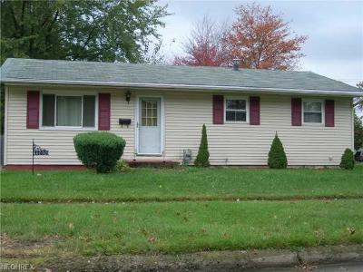 Lorain Single Family Home For Sale: 4010 Shawnee Dr