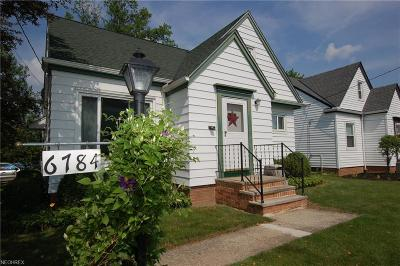 Parma Single Family Home For Sale: 6784 Commonwealth Blvd