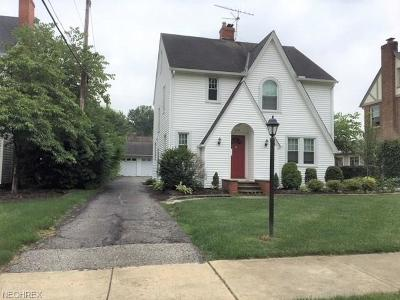Berea OH Single Family Home For Sale: $179,900
