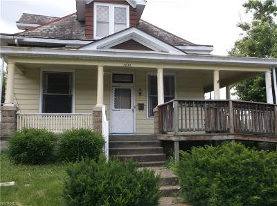 Muskingum County Single Family Home For Sale: 1030 Ohio St