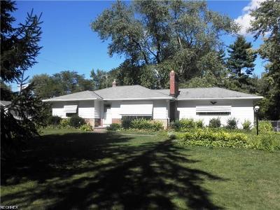 Solon Single Family Home For Sale: 37719 Aurora Rd
