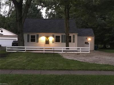 North Olmsted Single Family Home For Sale: 4707 Martin Dr